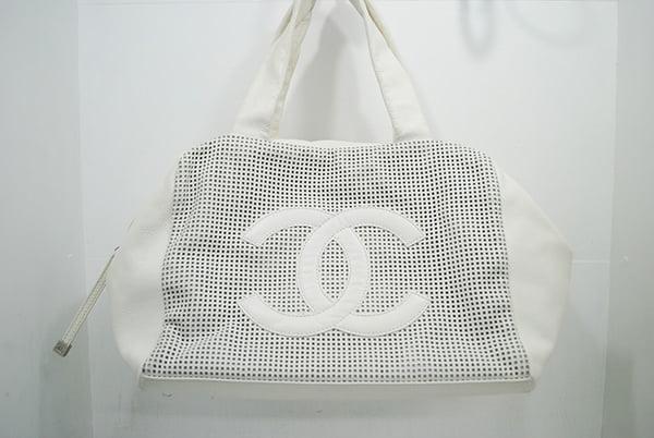シャネルのトートバッグ・鞄のクリーニング事例ー作業前