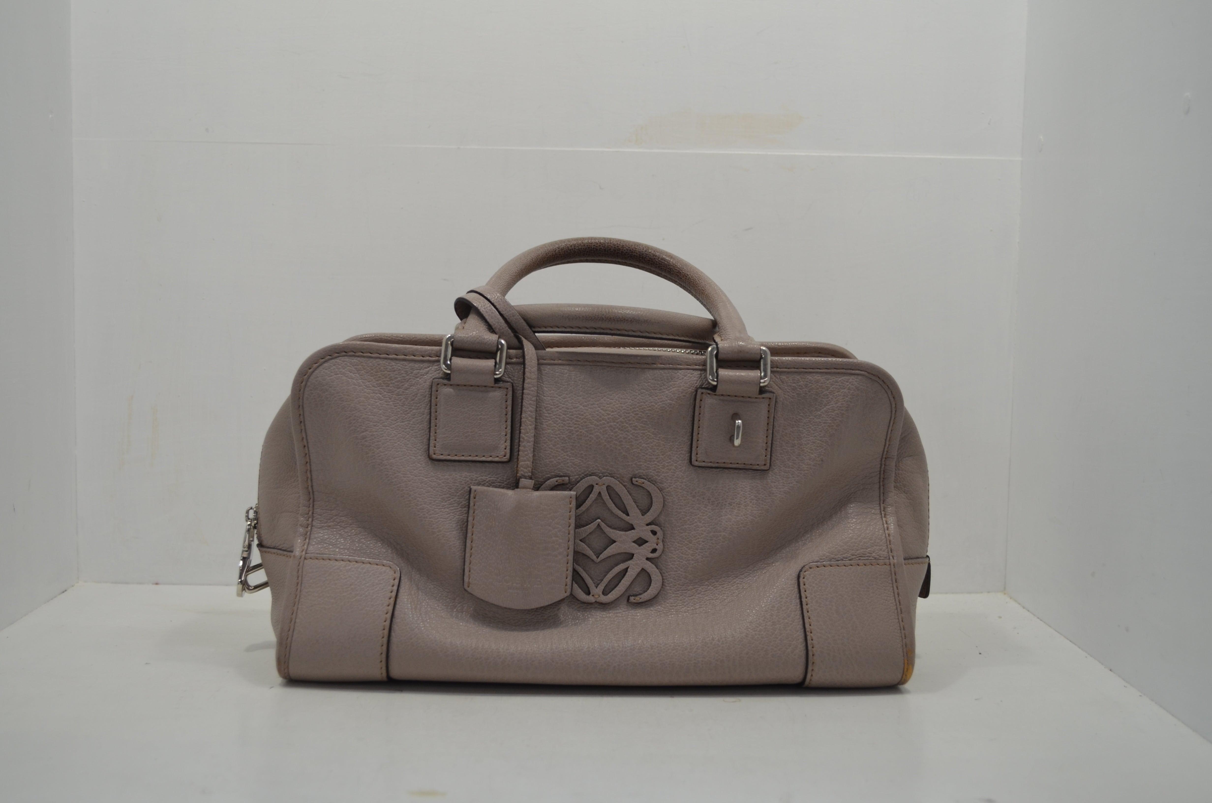 ロエベloeweの鞄(バッグ)のクリーニング・補色作業前