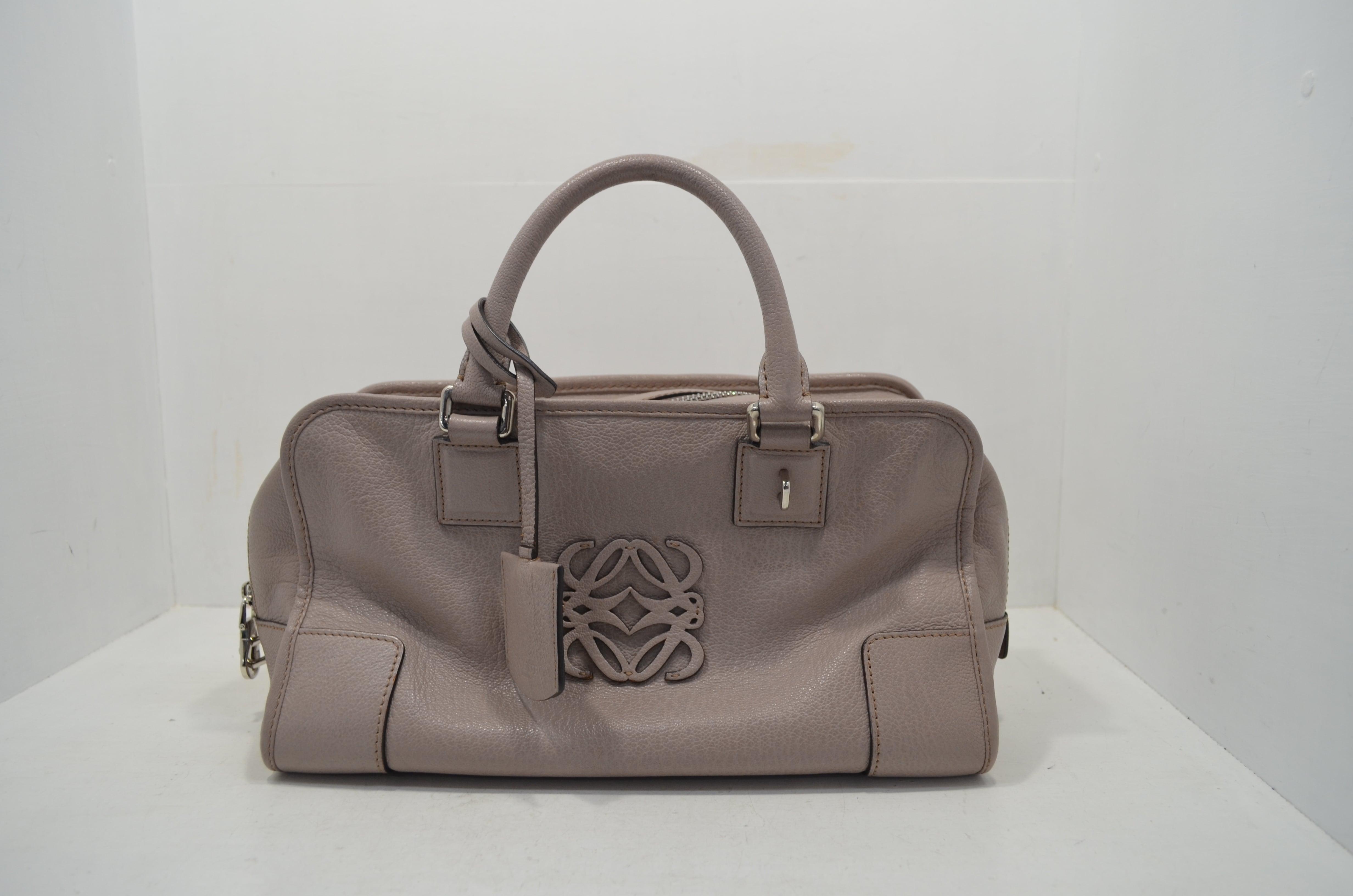 ロエベloeweの鞄(バッグ)のクリーニング・補色の作業後