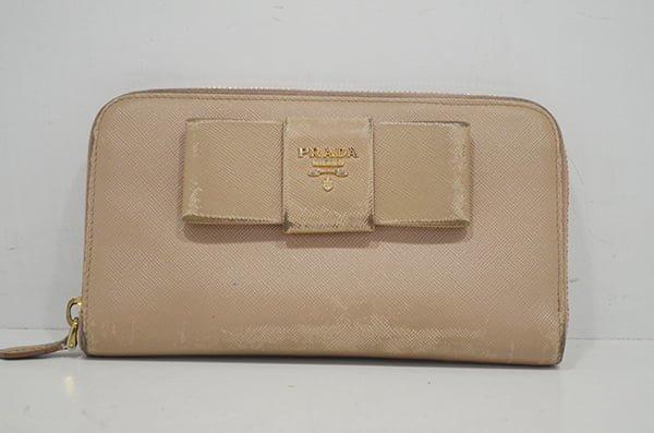 プラダ・サフィアーノの財布のクリーニング事例・作業前