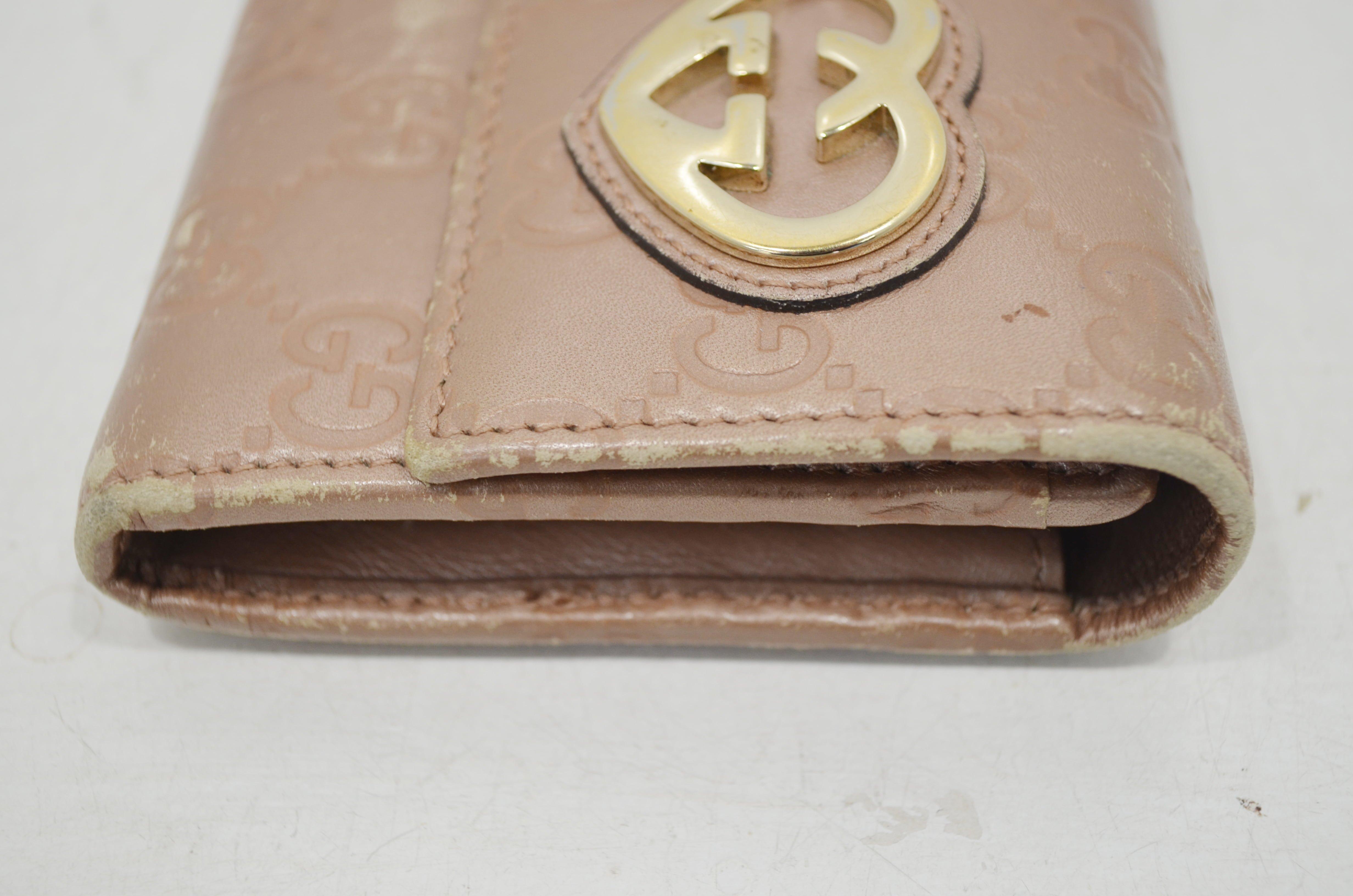 グッチ・ハートシェイプロッキングの長財布