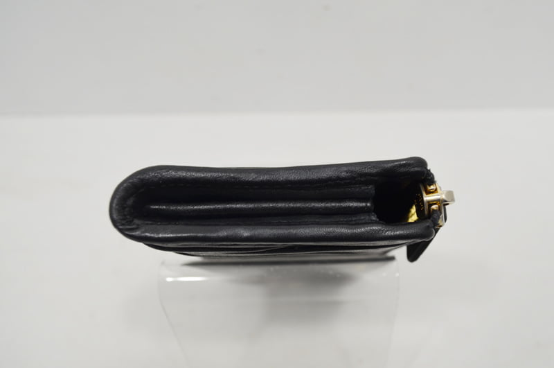 miumiu(ミュウミュウ)の財布の修理・クリーニング事例画像(作業後)