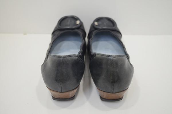 フィットフィットの婦人のヒール靴・作業前
