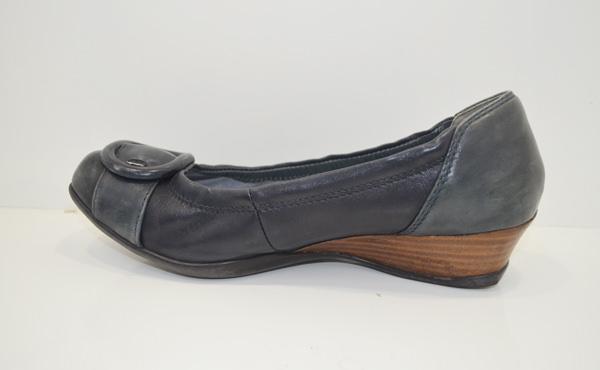 フィットフィットの婦人靴の側面画像