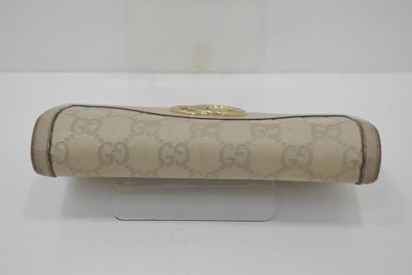 グッチの財布の画像(上蓋)