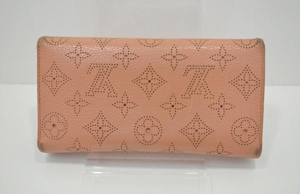 ヴィトン・マヒナ財布の裏面の画像