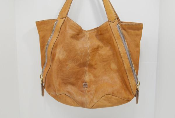 ジバンシーのバッグ(作業前)