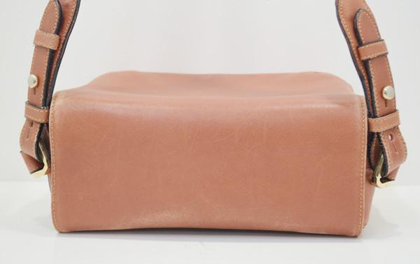 ペレボルサのバッグ上蓋のクリーニング