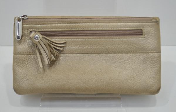 リュフカの財布の修理前の画像