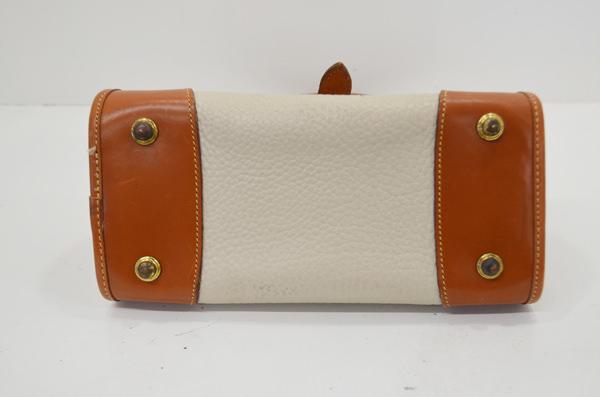 ドゥーニー&バークのバッグ