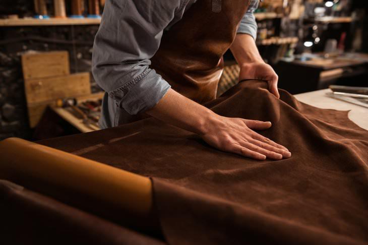 革の鞣し工程